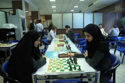 مسابقات کارمندان بانک دی با همکاری هیات شطرنج شمیرانات