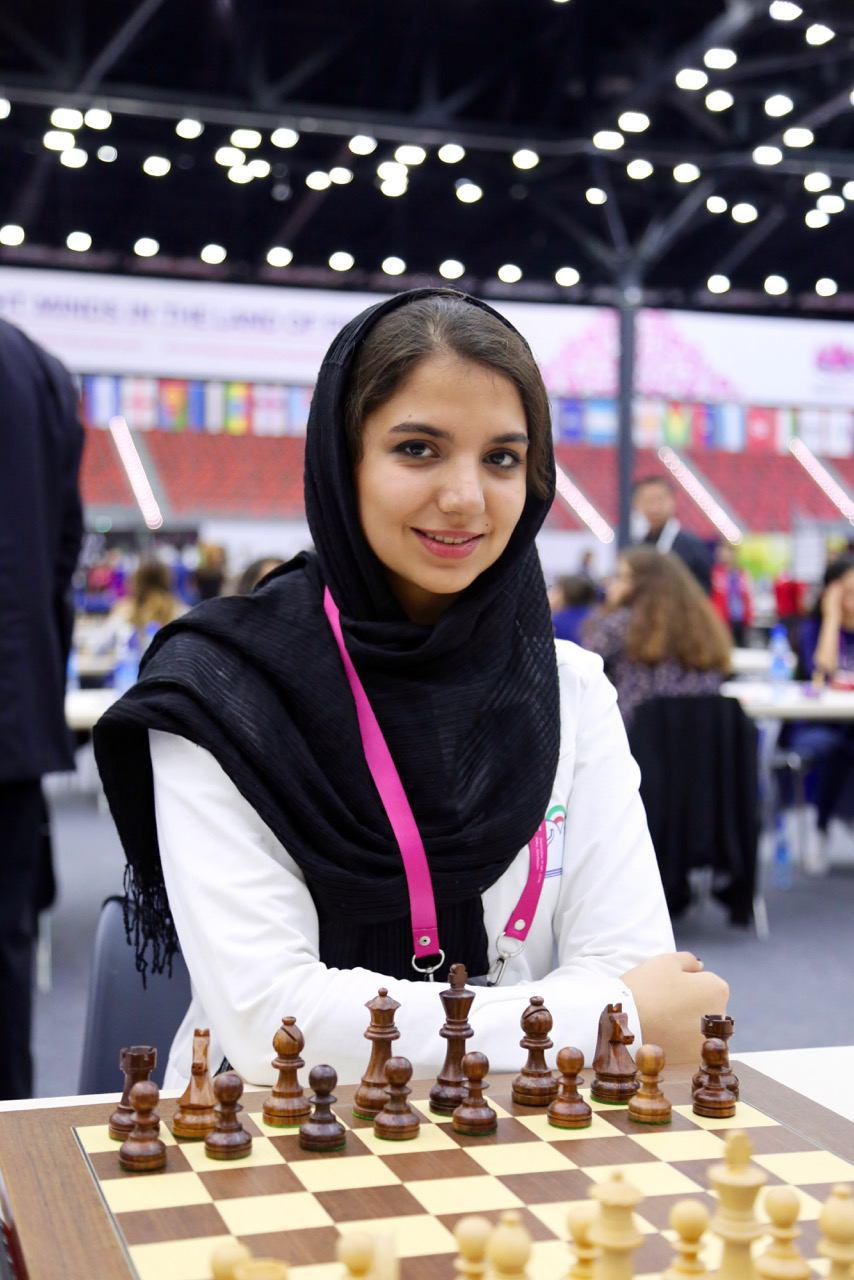 سارا سادات خادم الشریعه موفق به کسب مقام سوم مشترک گرند پری شد.